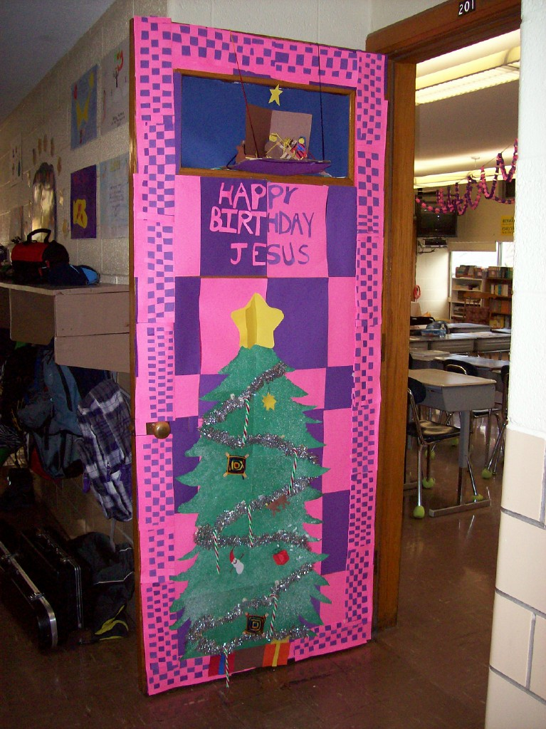 Our Little Roses News Christmas Door Decorating Contest Winners Nude ...